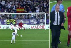 Ronaldo từng khiến thủ môn đối phương chấn thương khi đá phạt đền