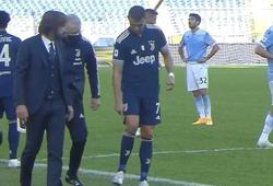 Ronaldo khiến fan Juventus lo lắng khi lẩm bẩm về chấn thương