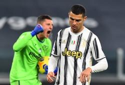 Tại sao Ronaldo không bị thay thế dù đá trận tệ nhất với Juventus?