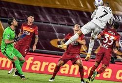 Tiết lộ bí mật đằng sau những cú bật nhảy ấn tượng của Ronaldo
