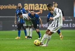 Xem Ronaldo phản ứng khi bị thay thế sau cú đúp cho Juventus