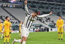 Ronaldo đã vượt qua thành tích ghi bàn của Pele như thế nào?