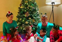 Ronaldo chia sẻ bức ảnh gia đình đón Giáng sinh ấm áp