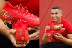 Ronaldo khoe đôi giày đặc biệt để kỷ niệm cột mốc với Bồ Đào Nha