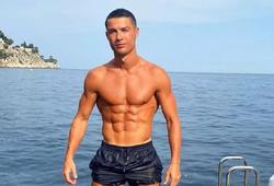 """Bức ảnh """"nóng bỏng"""" của Ronaldo hút like với tốc độ chóng mặt"""