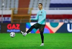 """Ronaldo ra mắt máy tập gym """"6 múi"""" tại nhà"""