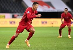 Siêu phẩm lốp bóng của Ronaldo còn đẹp hơn bàn thắng thứ 100
