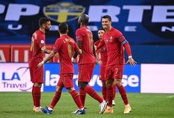 Ronaldo giải thích tại sao thích bị CĐV... huýt sáo