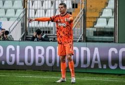 Cristiano Ronaldo vượt qua Pele về số bàn trong sự nghiệp