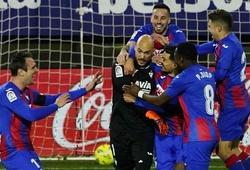 Thủ môn thứ 7 trong lịch sử La Liga ghi bàn là ai?