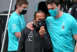 Trưởng đoàn F1 Mercedes: Hamilton không phải cái rốn của vũ trụ
