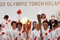 Lễ rước đuốc Olympic Tokyo 2020: Muộn 1 năm, trầm lắng nhưng phát đi thông điệp mạnh mẽ!