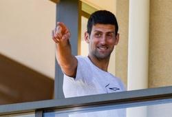 """Sao tennis Djokovic bị mắng là """"ích kỷ"""" do đòi Australian Open nới lỏng lệnh cách ly!"""