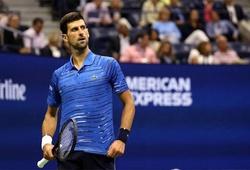 """Số 1 tennis thế giới Djokovic bị """"dìm hàng"""" trước US Open: Gái đẹp chê mít ướt và gì nữa?"""