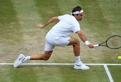 Kết quả tennis Wimbledon mới nhất: Càng đánh càng hay, Federer cùng Medvedev qua vòng 2