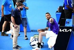 """Siêu quậy tennis Nick Kyrgios lại mắng trọng tài và dọa bỏ cuộc, đồng thời không quên """"đá xoáy"""" ATP"""
