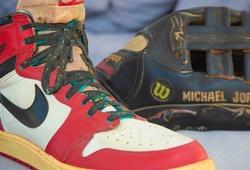 Câu chuyện ly kỳ về hai kỷ vật cực hiếm của Michael Jordan