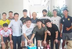 HLV Park Hang Seo tâm lý, giữ thói quen tặng quà sinh nhật các học trò
