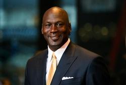Michael Jordan lại chứng minh ông là người đàn ông quyền lực nhất NBA