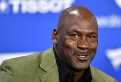 Hé lộ gương mặt làm trung gian giữa bão đình công NBA: Huyền thoại Michael Jordan