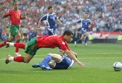 16 năm ngày Ronaldo gây ra phạt đền và cổ tích của Hy Lạp