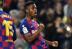 Ansu Fati xuất sắc hơn Messi trong mùa đầu đá ở La Liga