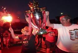 Liverpool thành công nhất nước Anh khi vượt MU về danh hiệu