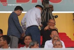 Ông Park từ chối ngồi ghế VIP sân Tam Kỳ