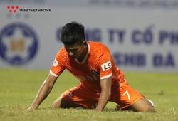 Khung thành trống và pha bỏ lỡ không tưởng của cầu thủ SHB Đà Nẵng