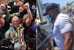 Chạm mặt trên phố, Tyson Fury và Anthony Joshua dặn dò nhau hạ gục đối thủ