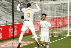"""HLV Zidane nổi giận khi Real Madrid """"khiêu khích"""" Barca"""