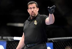 Cựu trọng tài 'Big' John McCarthy bóc mẽ số liệu UFC tâng bốc Khamzat Chimaev