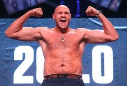Tyson Fury có khả năng phải bỏ đai để được đấu Joshua