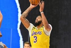 Anthony Davis bị chọc vào mắt, Lakers cẩn trọng với vấn nạn chấn thuơng