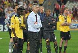 Ký hợp đồng 2 năm nhưng HLV Arsene Wenger phải giải... 5 bài toán
