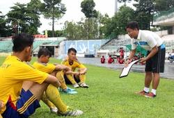 """""""Người lớn"""" hành xử ra sao khi cầu thủ trẻ Việt cá độ?"""