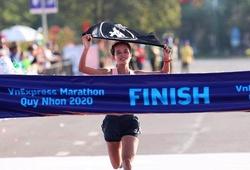 """Hồng Lệ kể về """"người bạn"""" giúp mình chiến thắng tại giải chạy quê nhà"""