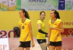 """Hai """"khủng long"""" Thanh Thúy và Bích Tuyền đối đầu trong trận tập huấn trước giải"""