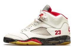 Một bộ sưu tập giày Air Jordan khủng được đấu giá: Nhiều cực phẩm góp mặt