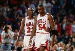 Đồng đội Michael Jordan gây sốc khi tố 90% The Last Dance là giả dối