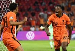 Dumfries sánh ngang Van Nistelrooy sau khi ghi bàn cho Hà Lan