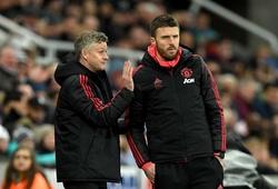 Solskjaer được đề nghị phải mua ngay một cầu thủ sau chiến thắng của MU trước Newcastle