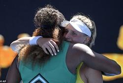 Australian Open: Serena Williams lo dỗ đối thủ, ai an ủi Venus Williams?