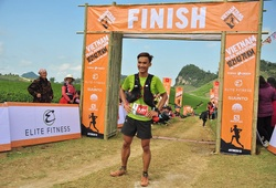 Chạy leo dốc nhanh như gió, Trần Duy Quang vô địch 70km Vietnam Trail Marathon 2019