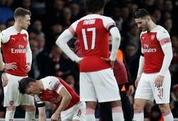 Tại sao Arsenal không thể gọi lại Chambers để giải quyết khủng hoảng lực lượng ở hàng thủ?