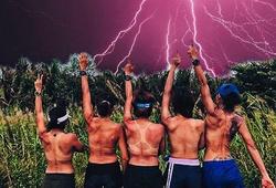 Giữa cái nắng đổ lửa Tết Kỷ Hợi, nhóm runner cởi phăng áo 'heat training' luyện Tiền Phong Marathon