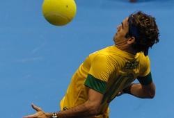 """""""Tàu tốc hành"""" Federer phô diễn kỹ thuật bóng đá cực ngầu"""