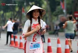 Chùm ảnh: Những bóng hồng xinh đẹp trên đường chạy Hanoi Kilo Run 2019