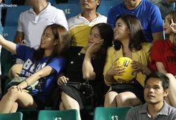 """""""Bóng hồng"""" rực rỡ trong ngày TP.HCM đánh bại CLB Nam Định để bay cao tại V.League 2019"""