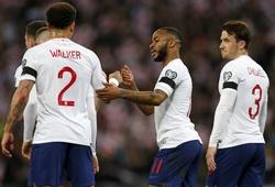 Sterling lập hat-trick, Hudson-Odoi lập kỷ lục và 5 điểm nhấn từ trận Anh vs Séc
